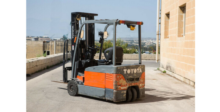 USED ELECTRIC 2 TON FORKLIFT 7FBEF20