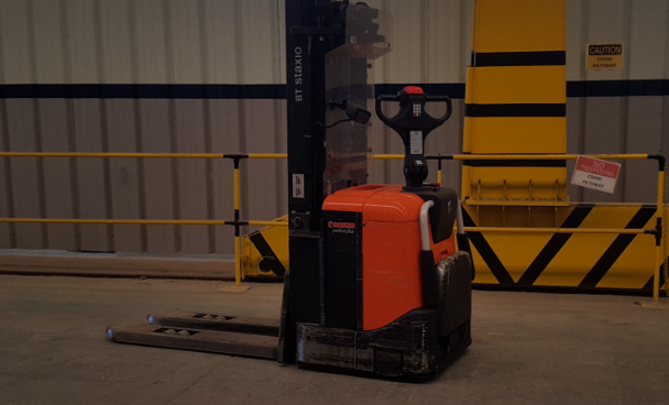 USED SPE160 STACKER - Stand on / Pedestrian