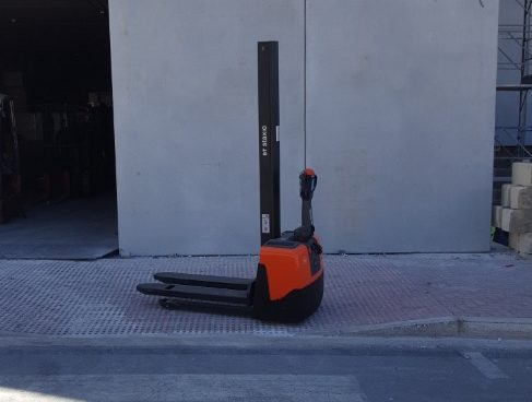 NEW ELECTRIC STACKER 1TON
